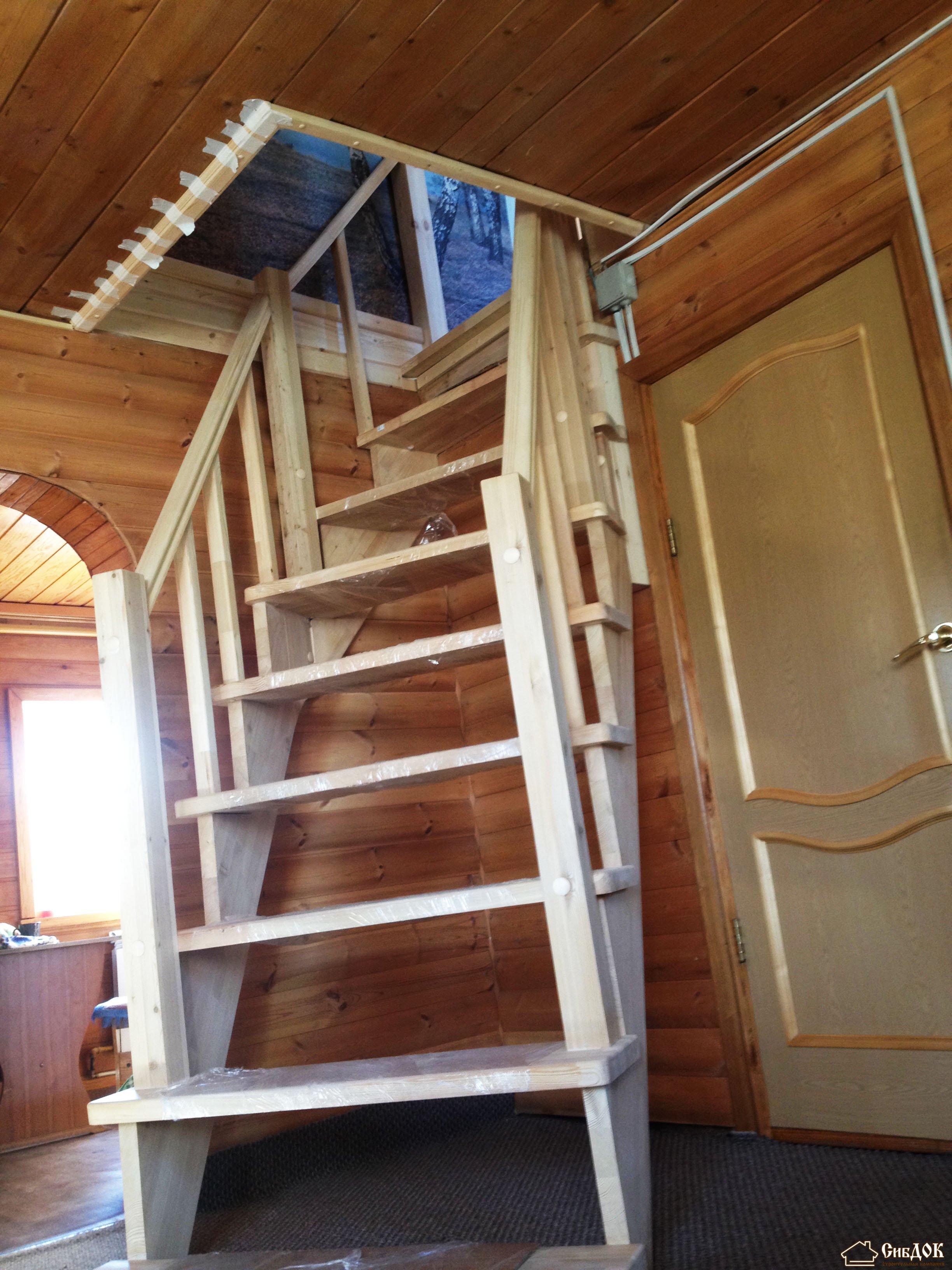 лестница на мансарду с дверью фото показывали фильм